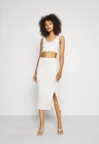 Monki - LOA SKIRT - Pencil skirt - solid - 1