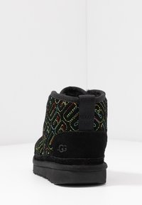 UGG - NEUMEL GRAPHIC STITCH - Veterboots - black - 3