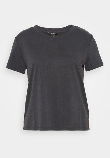 T-shirts - black