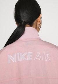 Nike Sportswear - AIR - Chaqueta de entrenamiento - pink glaze/white - 4