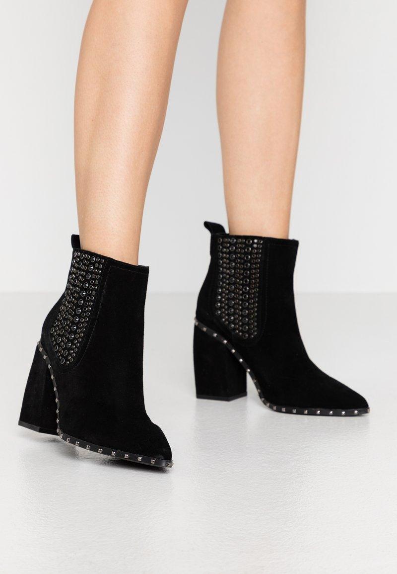 Alma en Pena - Kotníková obuv - black