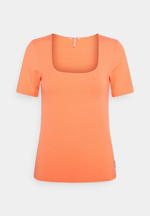 FITTED SQUARE NECK TEE - Basic T-shirt - salmon