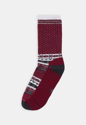 COZY CABIN LIGHT  - Sports socks - tibetan red