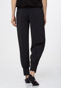 Venice Beach - BLENDA - Pantaloni sportivi - black - 2