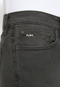 Michael Kors - MENS PARKER - Slim fit jeans - washed black