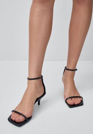 MIT STILETTOABSATZ  - Sandaler - black