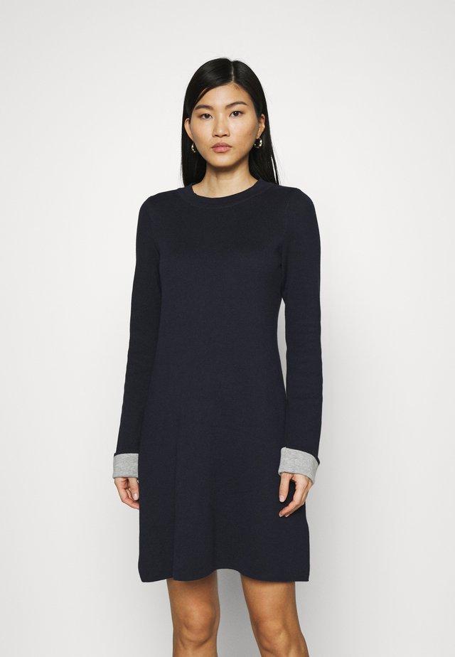 CORE DRESS - Sukienka dzianinowa - navy