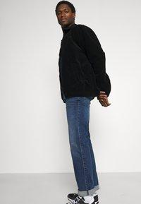 Mustang - TRAMPER - Straight leg jeans - denim blue - 3