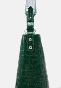 HVISK - AMBLE CROCO - Handbag - green - 3