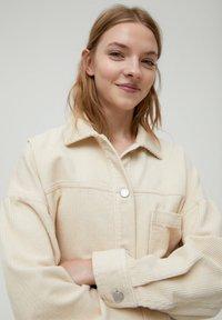 PULL&BEAR - Button-down blouse - mottled beige - 4