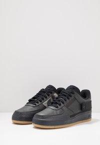 Nike Sportswear - AF1-TYPE  - Sneakers basse - black/anthracite/light brown - 2