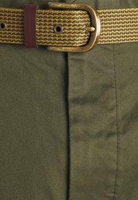 Scotch & Soda - FAVE CARGO - Shorts - army - 5