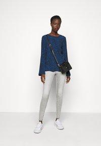 ONLY Tall - ONLMILA ANK - Jeans Skinny Fit - light grey denim - 1