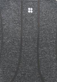 Sweaty Betty - ENERGISE WORKOUT - Sportshirt - black marl - 2