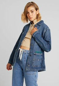Tommy Jeans - WORKWEAR JACKET - Denim jacket - save mid blue - 0