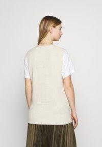 ONLY - ONLFLORELLE - Waistcoat - whitecap gray melange - 2