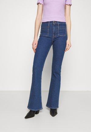 BREESE PATCH POCKET - Flared Jeans - stone