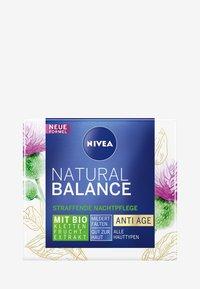 Nivea - NATURALLY GOOD ANTI-AGE NIGHT CARE - Trattamenti notte - - - 3
