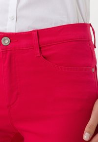 BRAX - STYLE SHAKIRA  - Jeans Skinny Fit - papaya - 3