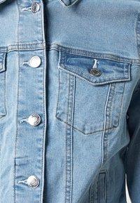 Vero Moda Tall - VMHOT SOYA JACKET - Jeansjakke - light blue denim - 4