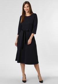 Apriori - CLARA - Jersey dress - marine - 1