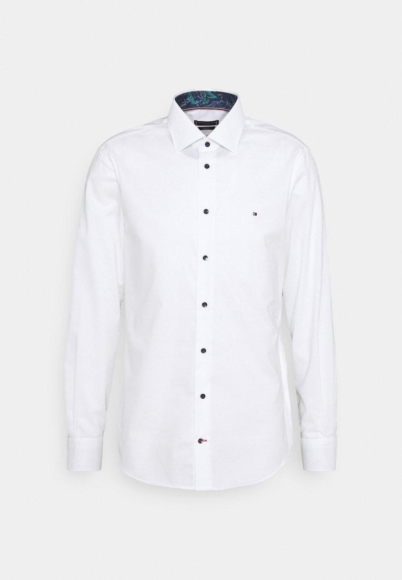 Tommy Hilfiger Tailored - PLAIN REGULAR FIT - Formální košile - white