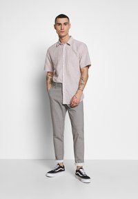 Only & Sons - ONSMARK PANT STRIPE - Tygbyxor - light grey melange - 1