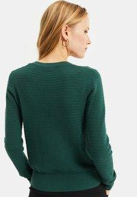 WE Fashion - MET STRUCTUUR - Cardigan - dark green - 2