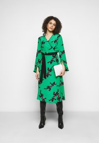 Diane von Furstenberg - SERENA DRESS - Vapaa-ajan mekko - green - 1