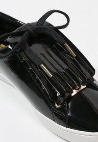 MICHAEL Michael Kors - KEATON KILTIE - Sneaker low - black - 2