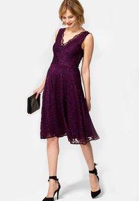 HotSquash - FLORAL  - Cocktail dress / Party dress - dark purple - 0