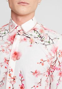 Twisted Tailor - MULLEN  - Shirt - white - 4