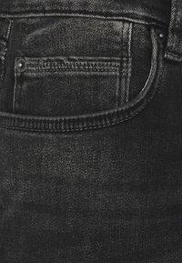 s.Oliver - BERMUDA - Jeans Shorts - grey stret - 2