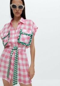Uterqüe - MIT VICHYKAROS  - Shirt dress - pink - 4