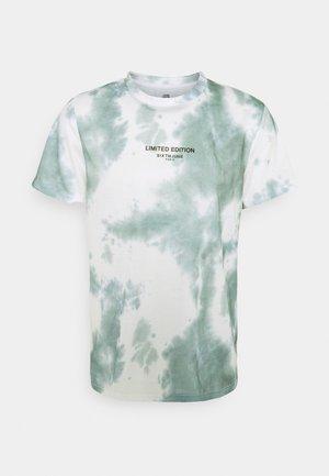 TIE DYE TEE - Print T-shirt - green