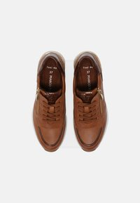 Marco Tozzi - Sneaker low - cognac - 5