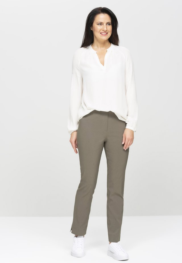 INA-740 THE ORIGINAL! STRETCHHOSE - Trousers - khaki