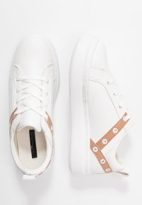 Lost Ink - EYELET LACE UP TRAINER - Trainers - white - 3
