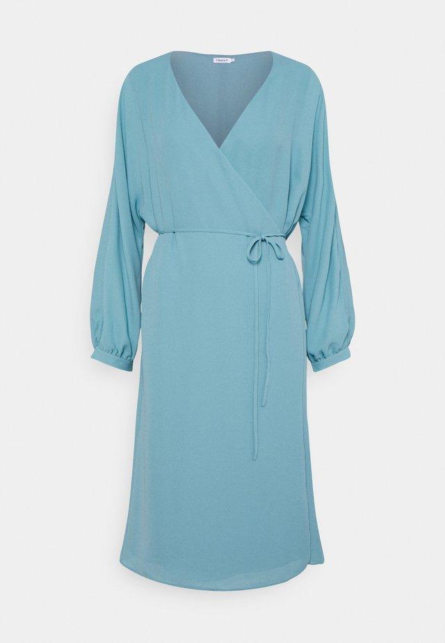 WILLA DRESS - Denní šaty - turquoise