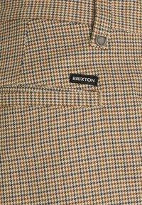 Brixton - CHOICE PANT - Kalhoty - vanilla houndstooth - 2