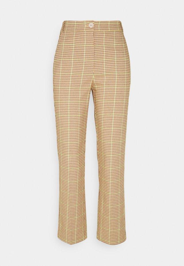 PANTALONI  TROUSERS - Spodnie materiałowe - beige/yellow
