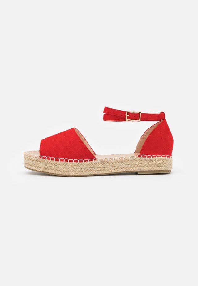 KAIRA - Sandales - red