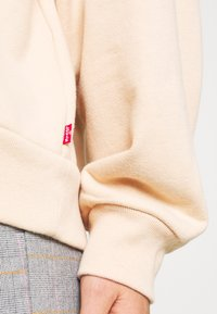 Levi's® - GRAPHIC HOODIE - Hoodie - toasted almond - 4