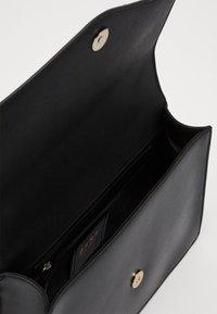 DKNY - ELISSA SHOULDER - Skulderveske - black/gold-coloured - 3