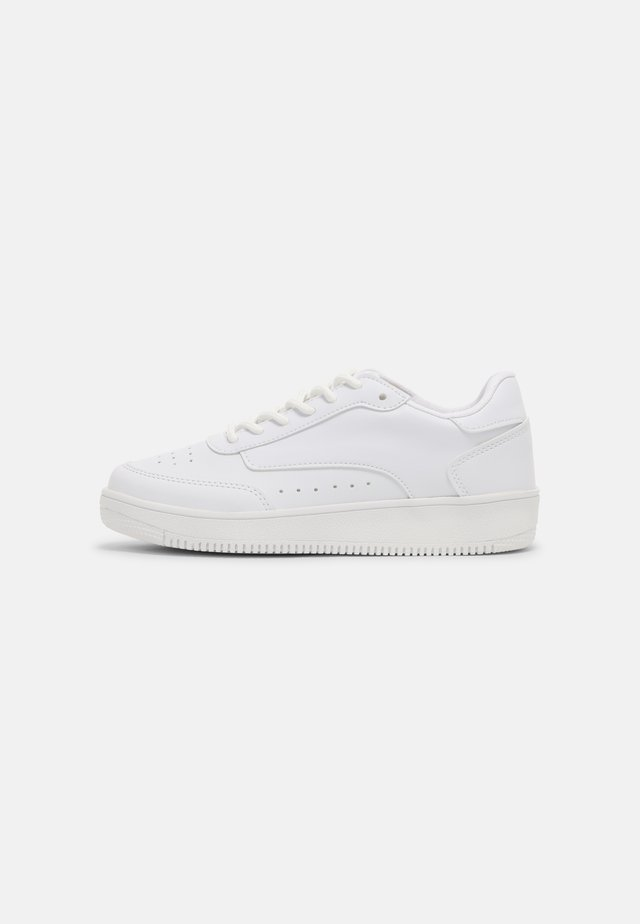 TRIGGERS  - Sneakers laag - white