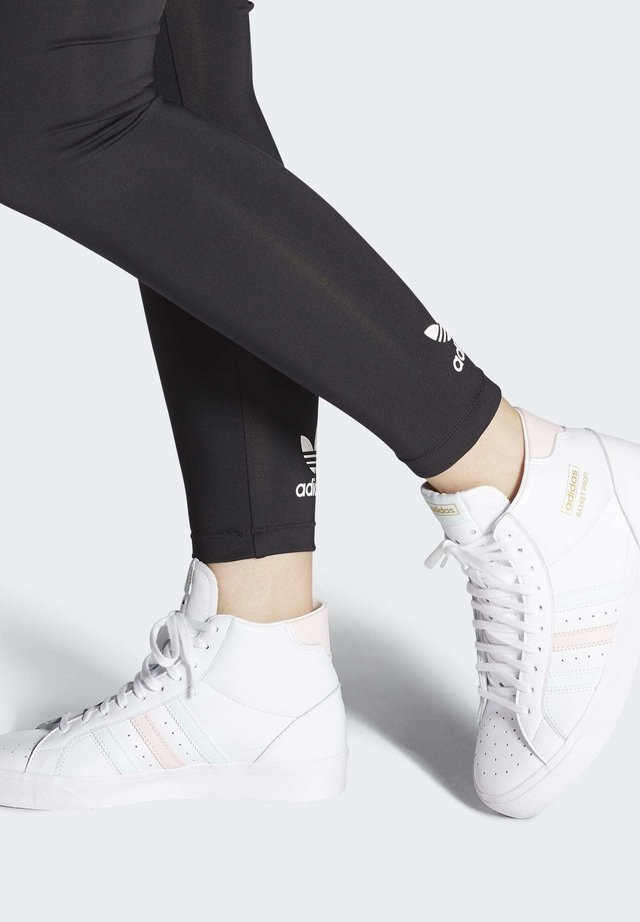 BASKET PROFI SHOES - Zapatillas skate - white