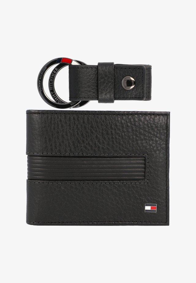 DOWNTOWN MINI - Wallet - black