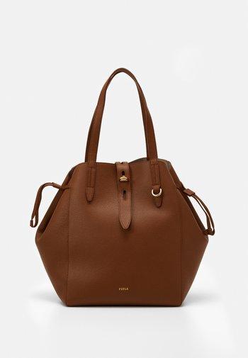 NET L TOTE - Shopping bag - cognac