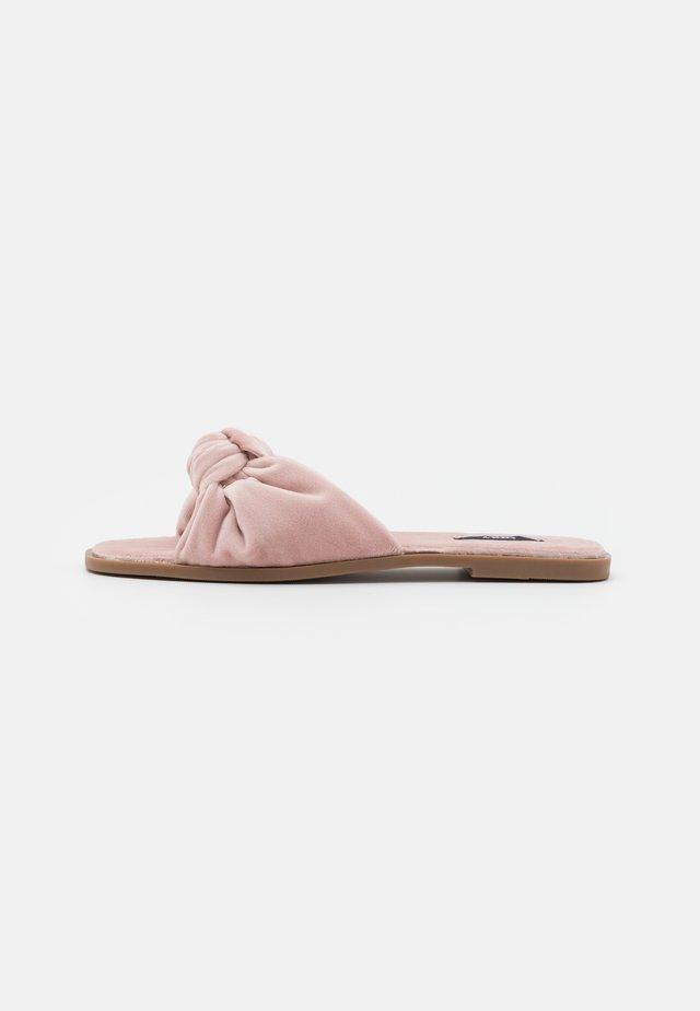 ONLMIA BOW SLIPPER - Pantofole - rose