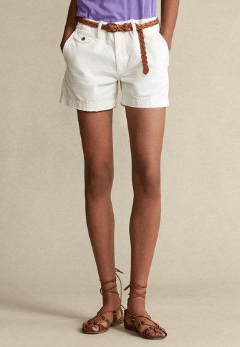 Shorts - warm white